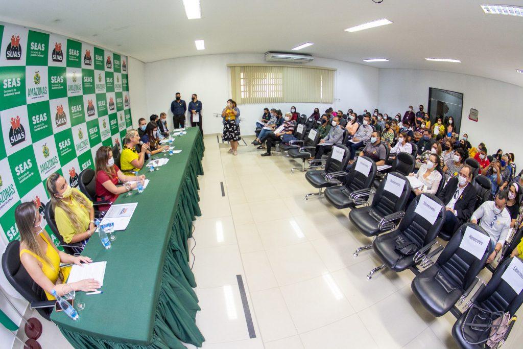 Seas e Amazonas Energia realizam workshop sobre projeto de ampliação de famílias beneficiadas pela Tarifa Social